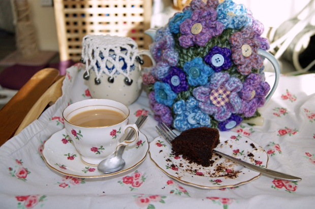 Colclough bone china cup, saucer and tea plate in pretty rosebud pattern