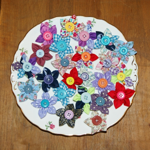 Oodles of beautiful fabric flowers!