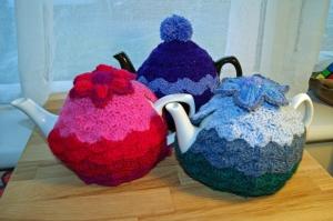 I <3 crochet tea cosies so much!