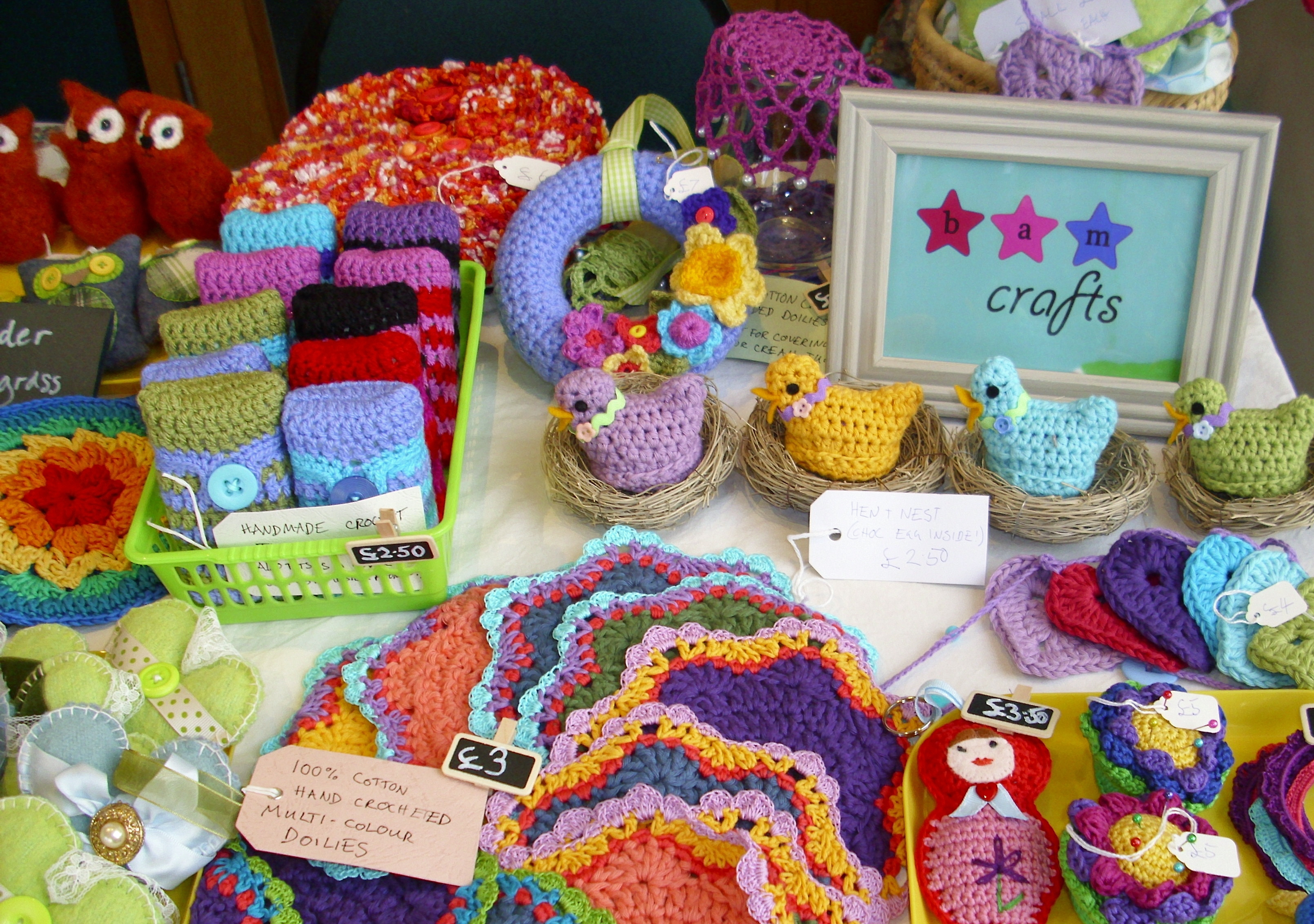 Frames magnets crocheted easteriness and fifty yes for Crochet crafts that sell well