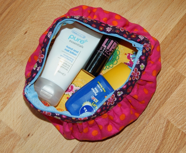 circle travel pouch purse