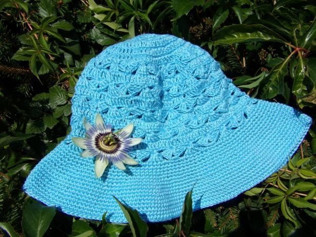 Lovely linen crochet sunhat