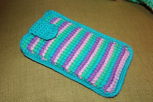 Tunisian crochet phone case