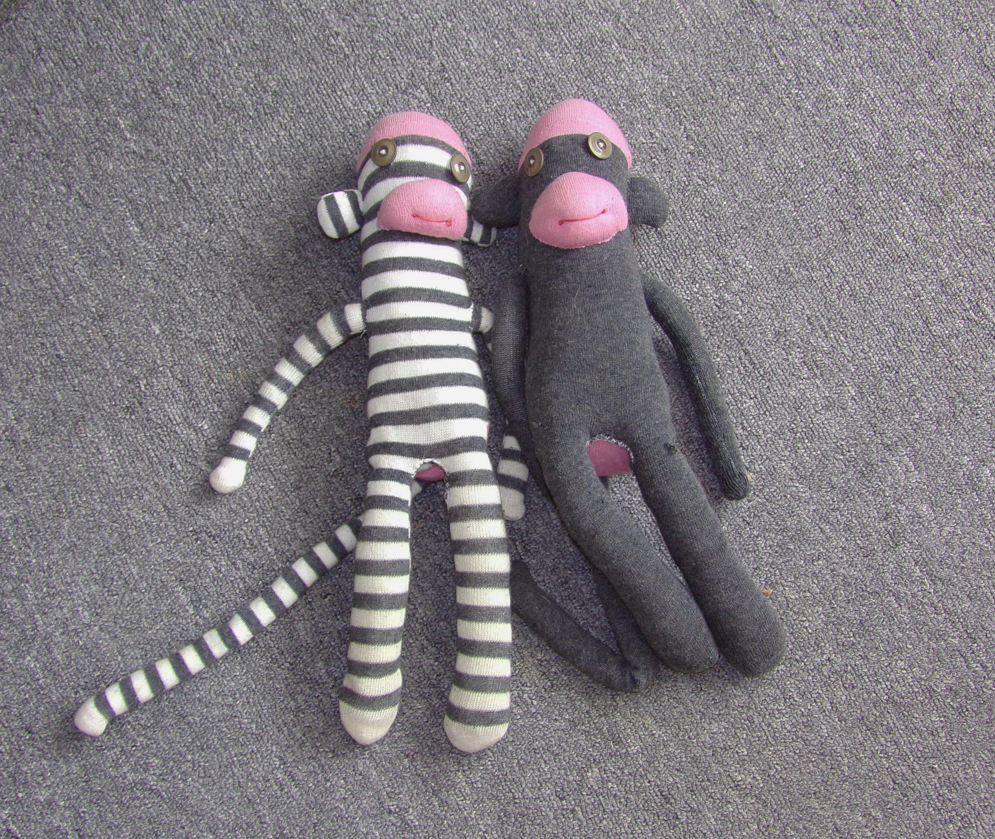 Hulk inspired crochet blanket plus pink sock monkey bamcrafts old grey sock monkeys bankloansurffo Images