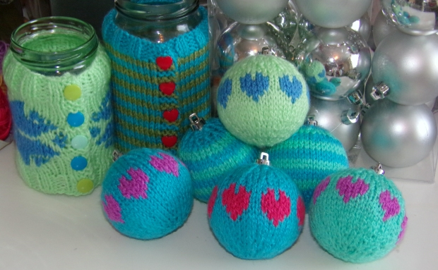 hearts and stripes knitted baubles
