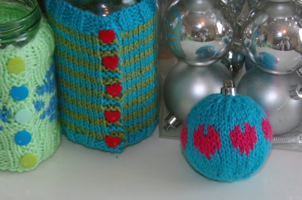 hearts knitted bauble
