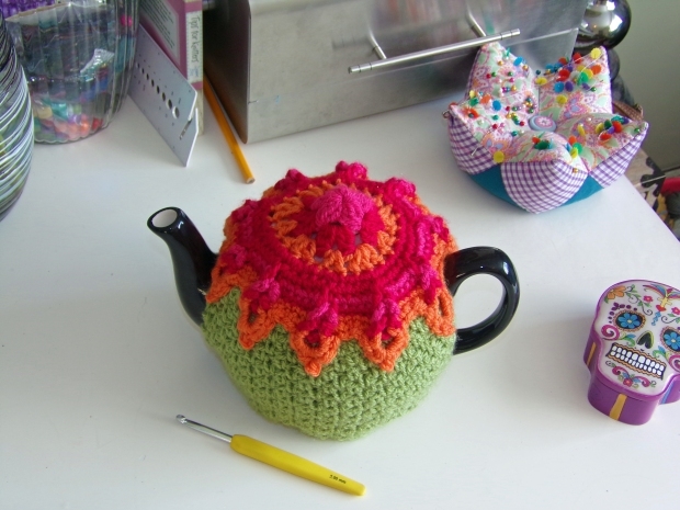 sunburst tea cosy