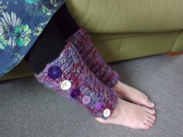 Easy knitted leg warmers