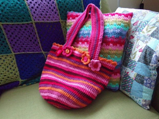 Happy crochet bag