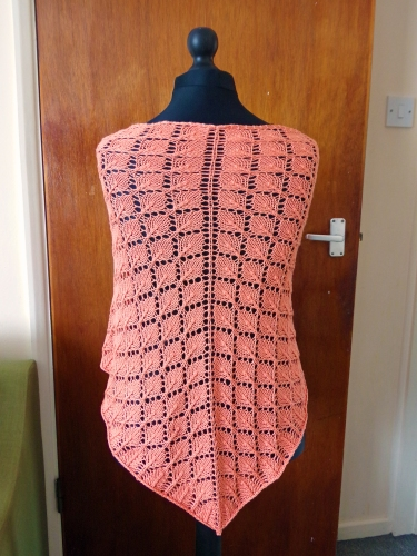 Back of lace leaf shawl