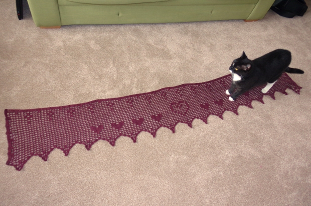 Fillet crochet shawl with cat